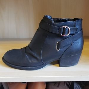 Dr. Scholls faqx leather booties